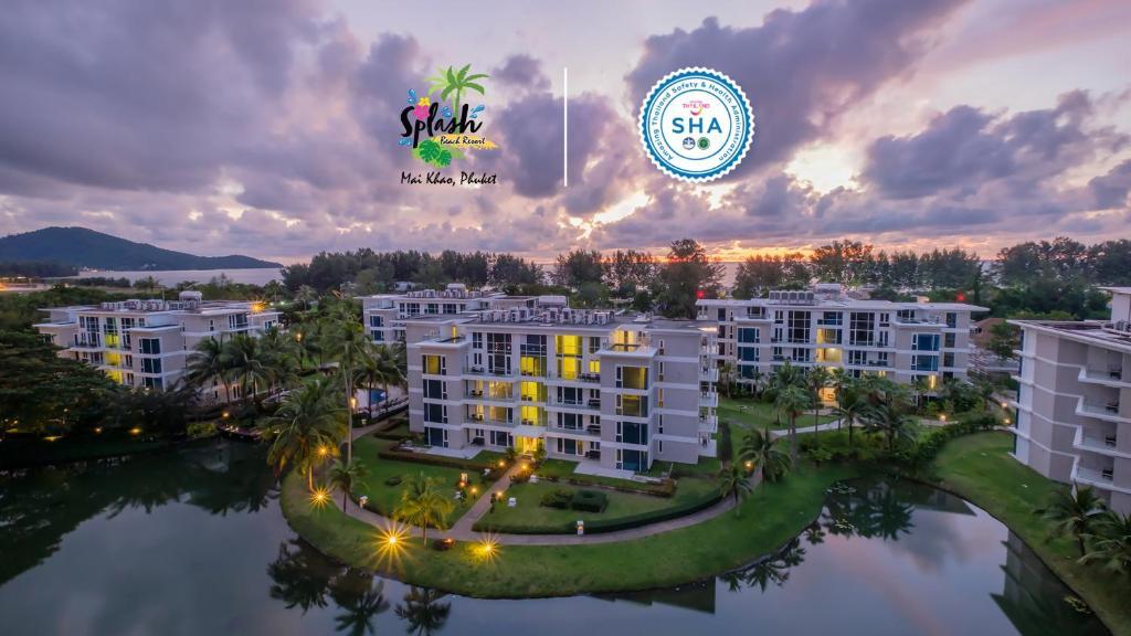 Vaade majutusasutusele Splash Beach Resort, Maikhao Phuket linnulennult