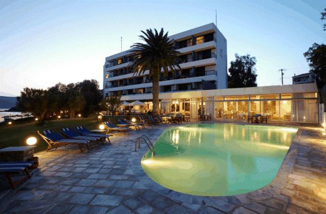Πισίνα στο ή κοντά στο Apollon Suites