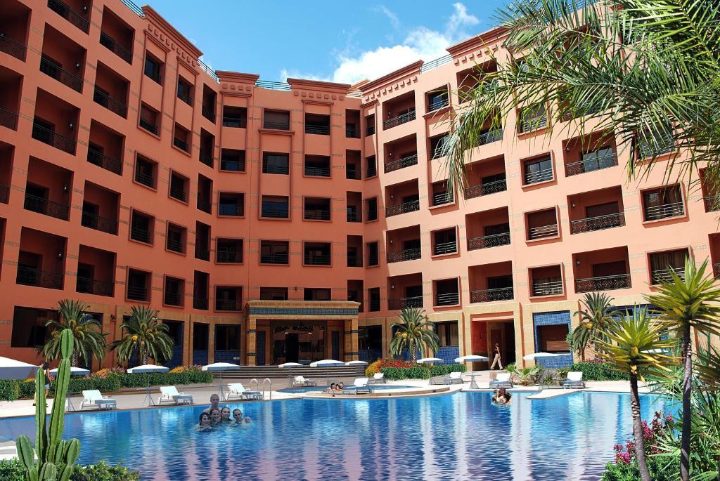 Piscine de l'établissement Mogador Menzah Appart Hôtel ou située à proximité