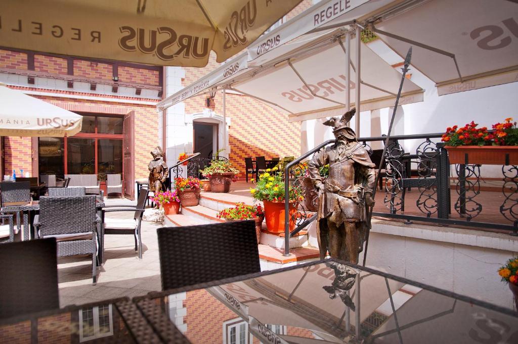 Un restaurant sau alt loc unde se poate mânca la Hotel Bastion