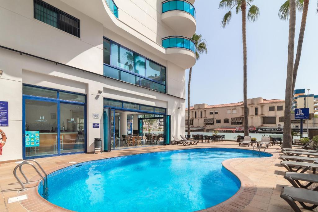 The swimming pool at or near Hotel Cibeles Playa
