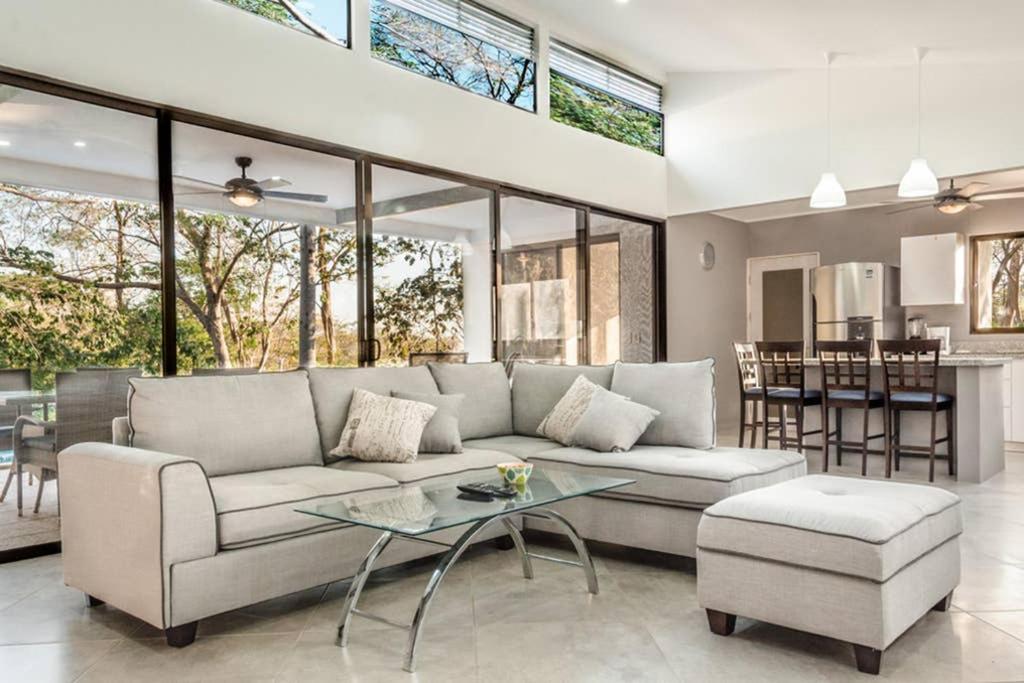 A seating area at Ocean Breeze House - Modern Villa W/Pool Sleeps 4