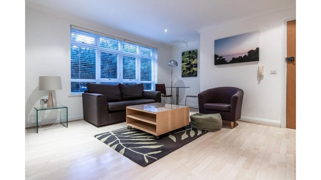 Apartment 1 Bedroom In Kew Gardens Clarendon House London Uk Booking Com