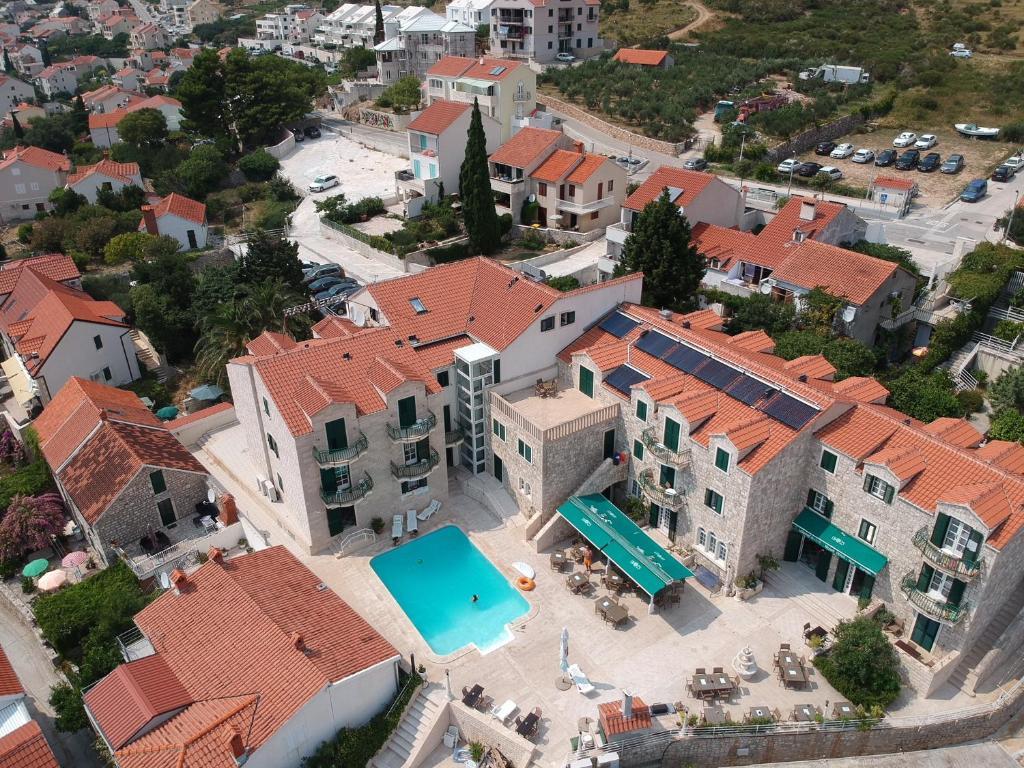 A bird's-eye view of Hotel Ivan