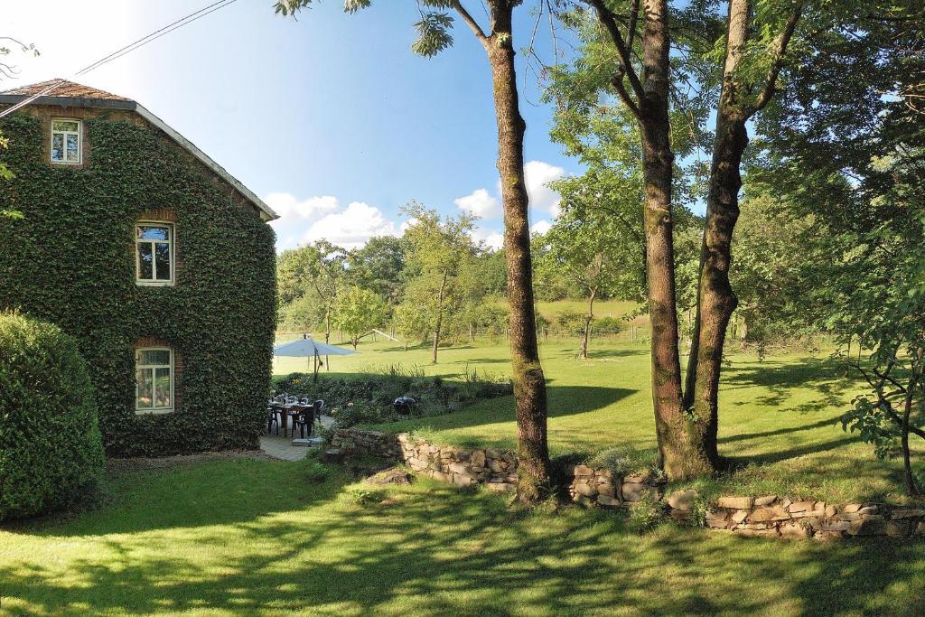 Ruhiges, gemütliches Ferienhaus mit großem Garten