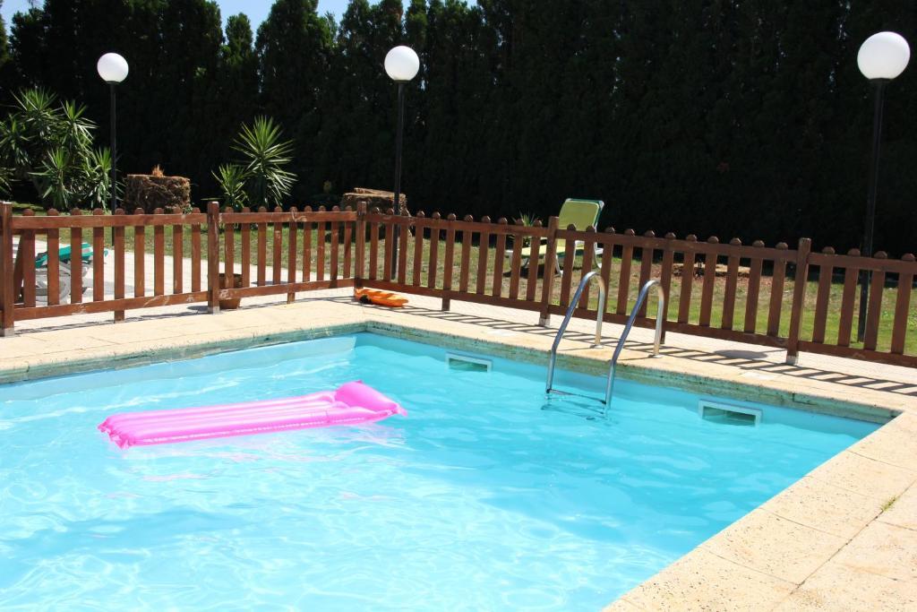 A piscina localizada em Residencial Joao Capela ou nos arredores