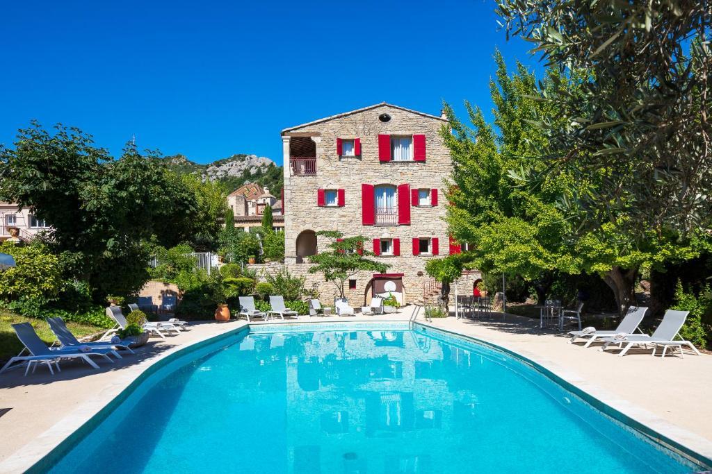 The swimming pool at or near Relais et Chateaux La Bonne Étape