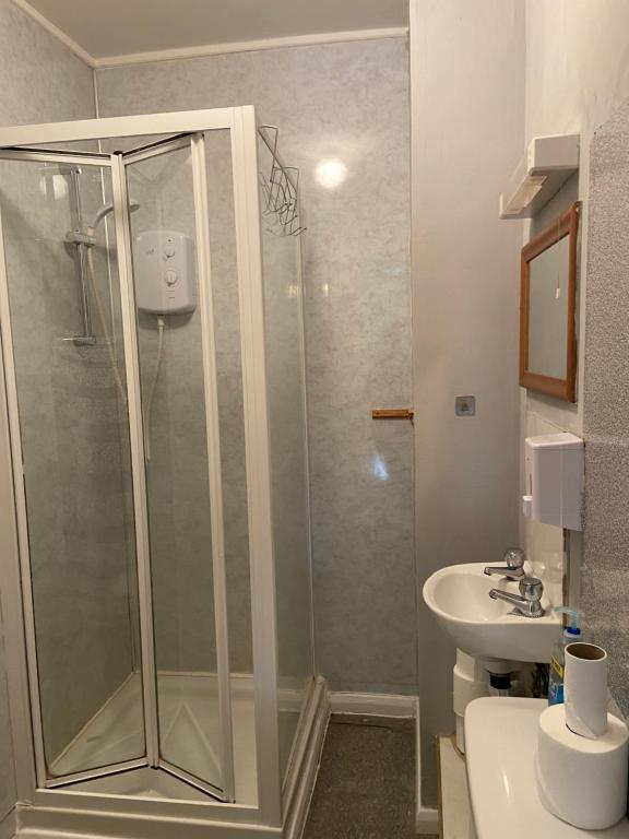 A bathroom at Alderlea House