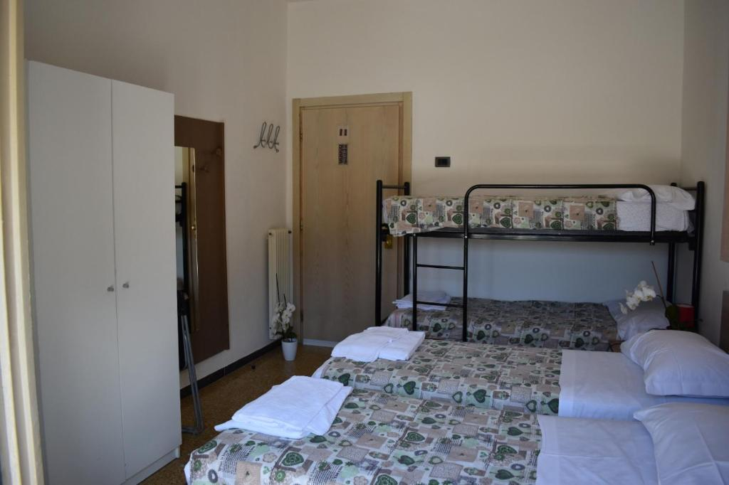 A bunk bed or bunk beds in a room at Villa Emma