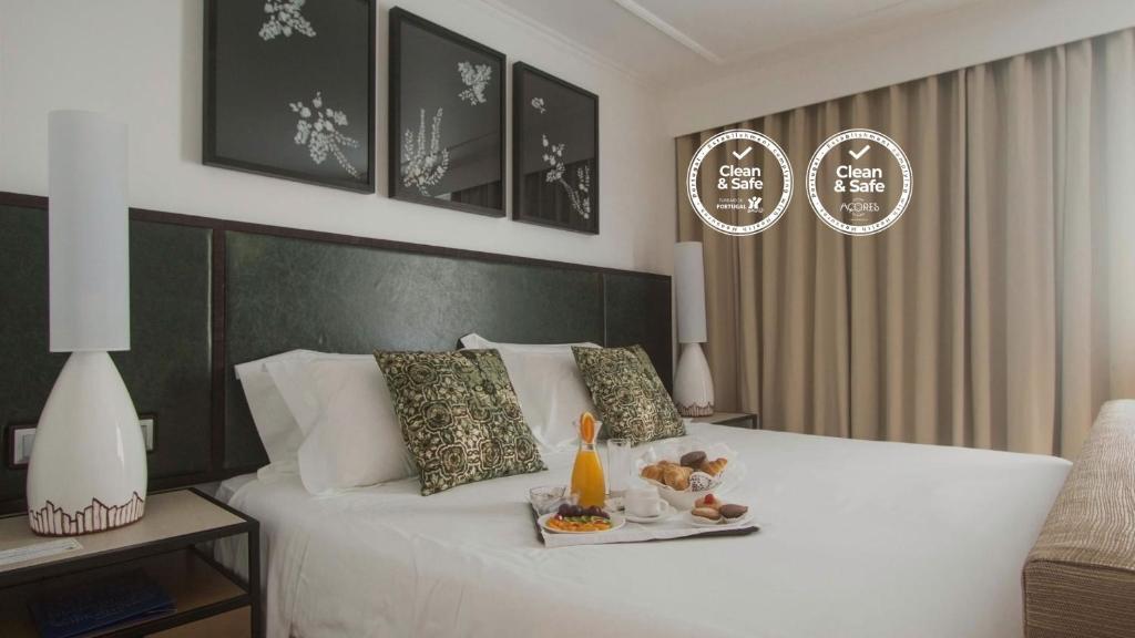 Opciones de desayuno disponibles en Hotel Ponta Delgada