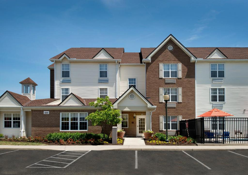Hotel Towneplace Suites Westlake Oh Booking Com