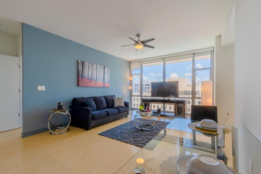 ★Posh Area High Rise Upper Floor 1Br Apartment