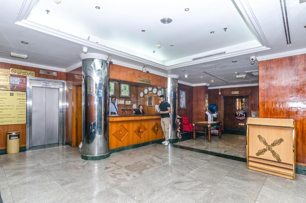 Отель роялтон дубай публичный дом дубай