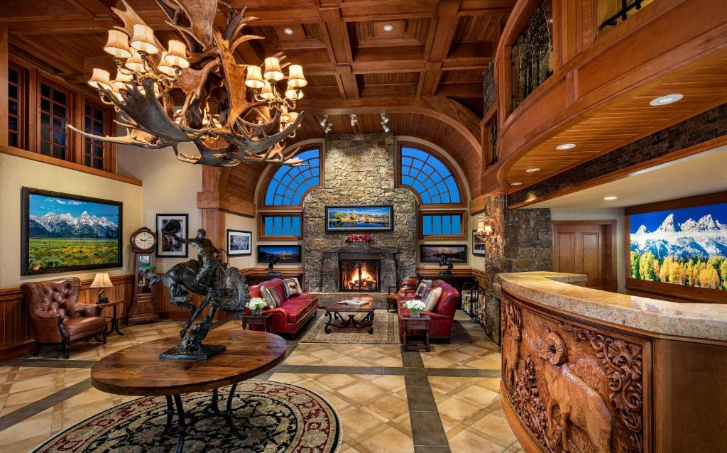 The lounge or bar area at Wyoming Inn of Jackson Hole