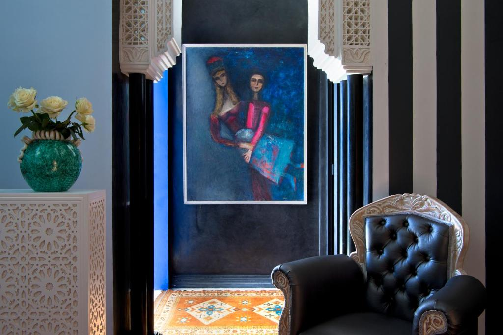 A seating area at Riad Goloboy
