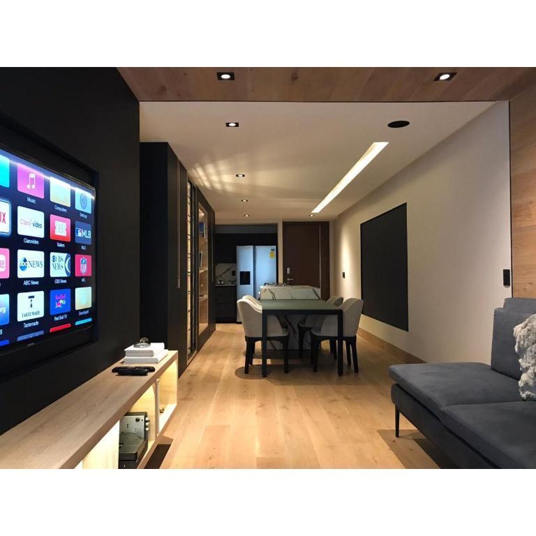 Luxurious Apartment with Amenities Near Santa Fe