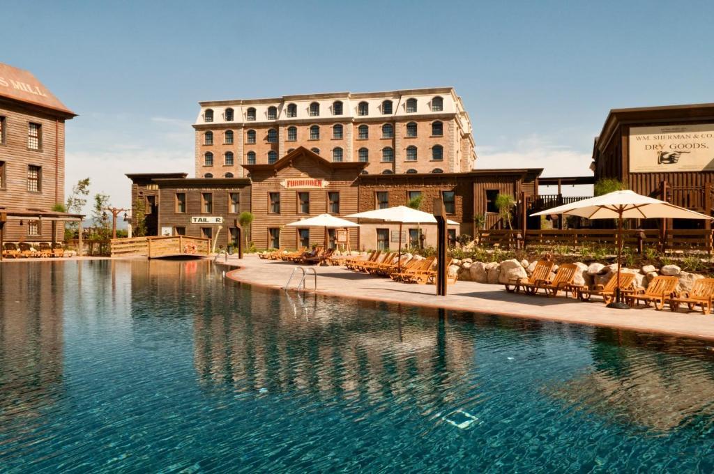 Piscine de l'établissement PortAventura® Hotel Gold River - Includes PortAventura Park Tickets ou située à proximité