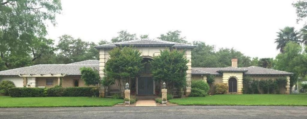 Live Oaks Bed and Breakfast