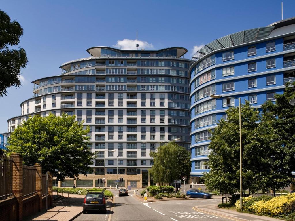 Oakdale Apartments in Woking, Surrey, England