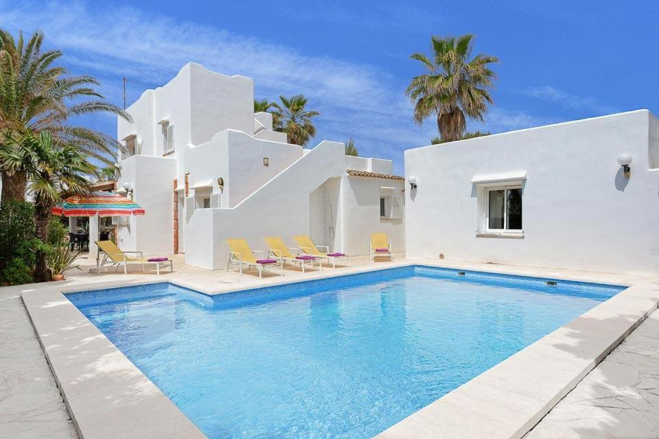 Cala Egos Villa Sleeps 6 with Air Con and WiFi 2