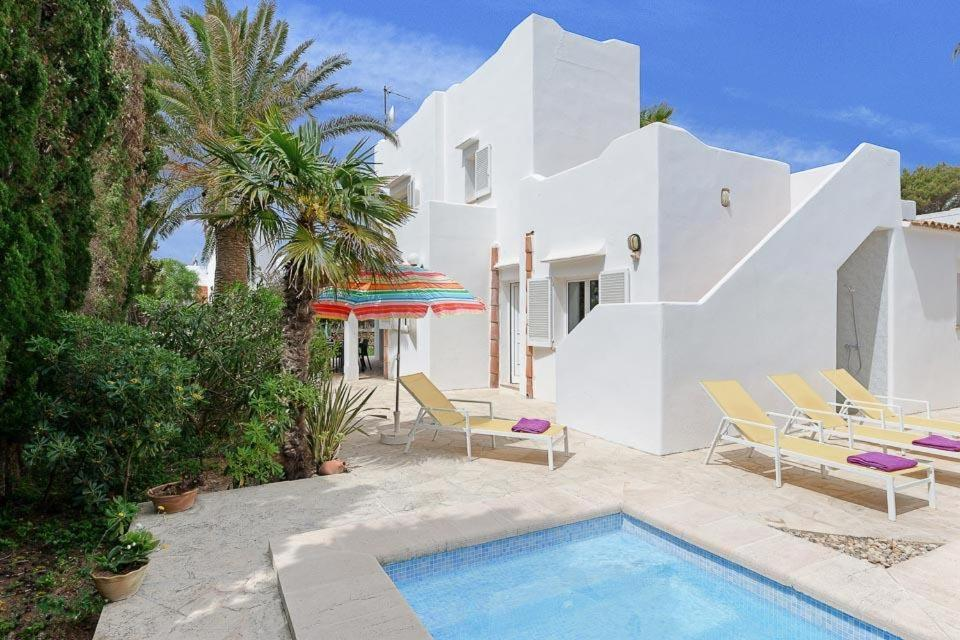 Cala Egos Villa Sleeps 6 with Air Con and WiFi 4