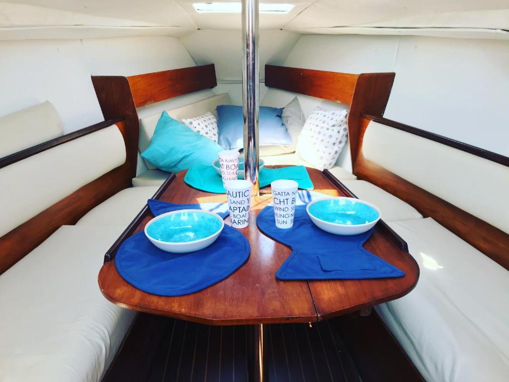 Chourmo, viaggiatori a bordo