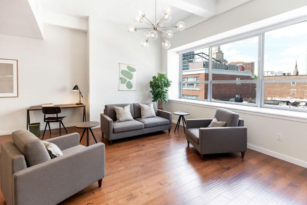 Kislak 302 Spacious 1BR in Heart of Downtown
