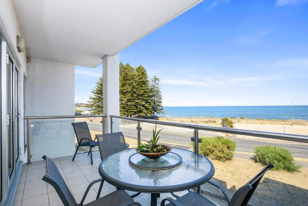Bayline Beachfront Apartment no 4