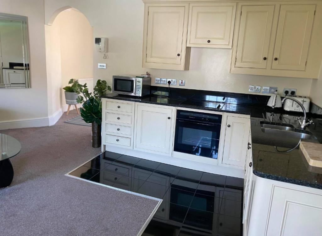 Letting Serviced Apartments - Guards View, Windsor