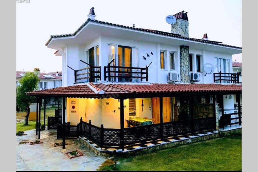 Fethiyede Bulunan Olimpik Havuzlu Villa