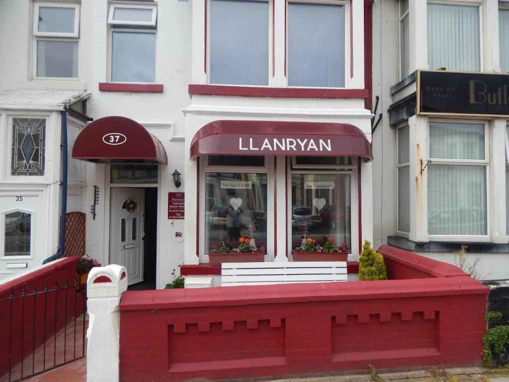 Llanryan Guest House in Blackpool, Lancashire, England