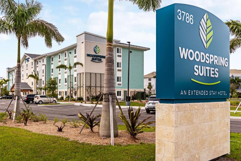 WoodSpring Suites Naples