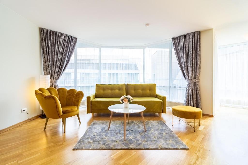 Elija Swan-Toy Apartments