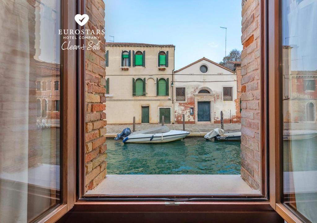 Продажа отелей в венеции кафе дубай в перми