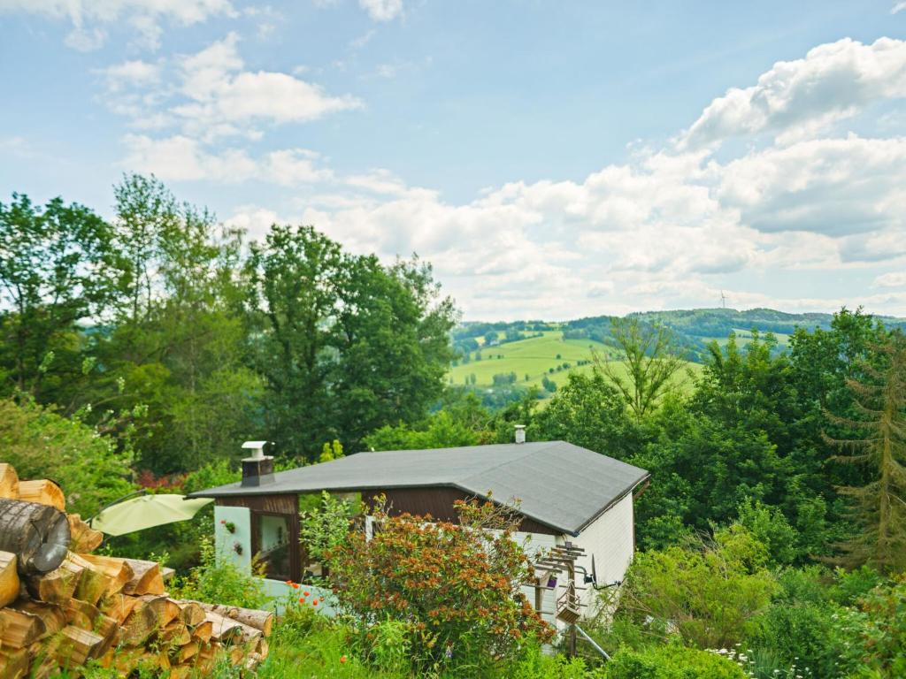 Hill-view Holiday Home in Zschopau with Garden and Patio