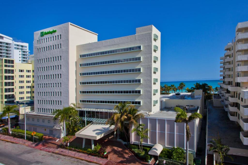 The Holiday Inn Miami Beach - Oceanfront, one of many 3-star hotels in Miami Beach, FL.