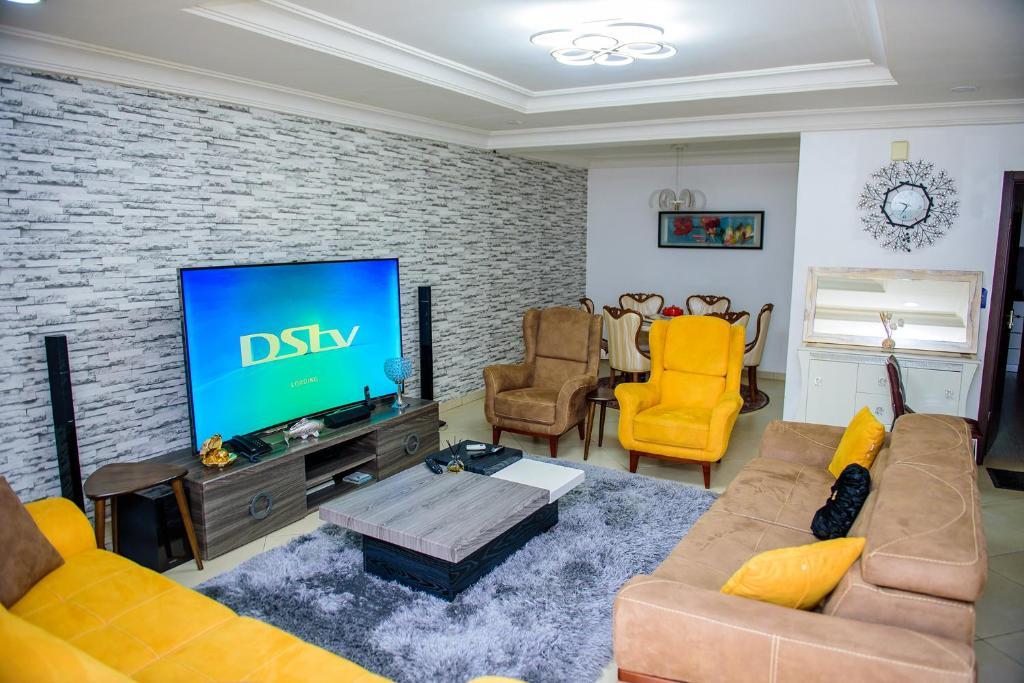 Fully Furnished 4 Bedroom Semi-detached duplex