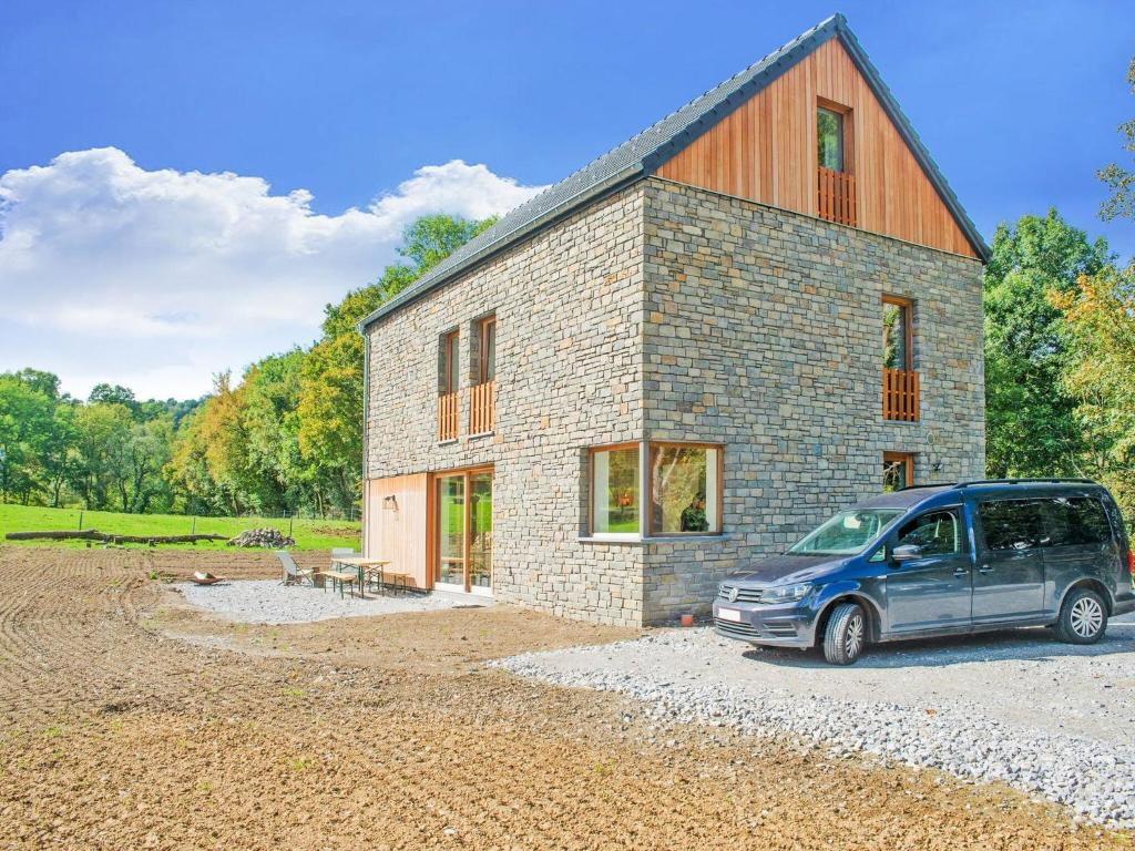 Spacious Holiday Home in Hamoir, between Durbuy and Spa
