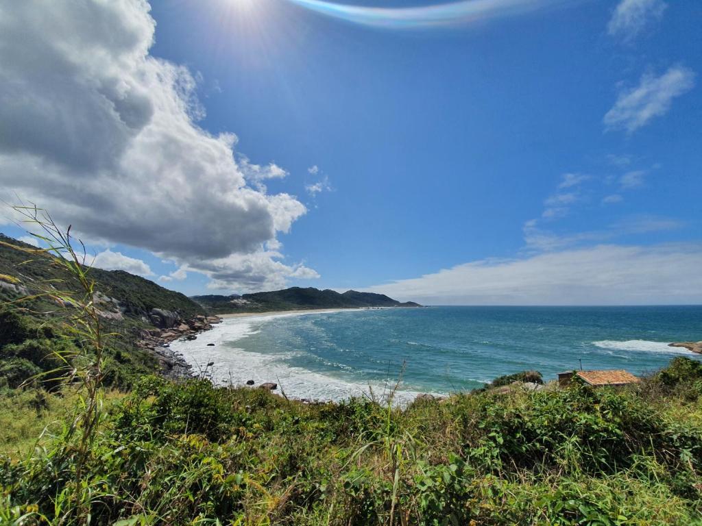 Apartamento luxuoso à 200 m da praia em Florianópolis-SC