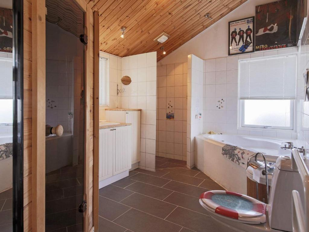 Picture of: Three Bedroom Holiday Home In Jaegerspris 6 Frederikssund Opdaterede Priser For 2020