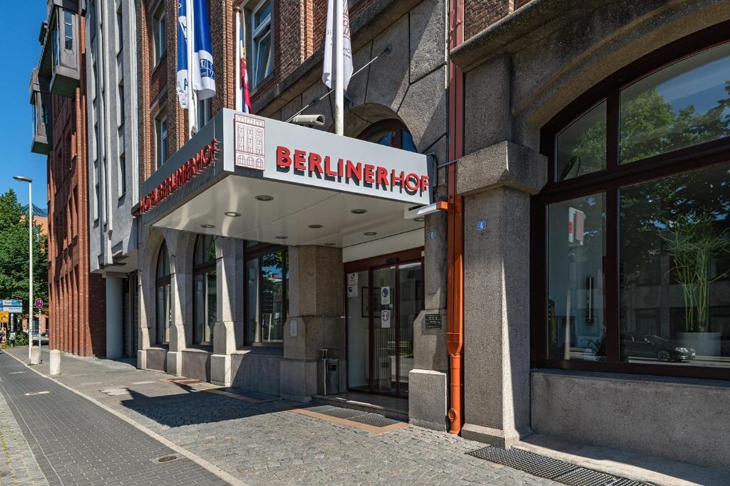The facade or entrance of Hotel Berliner Hof