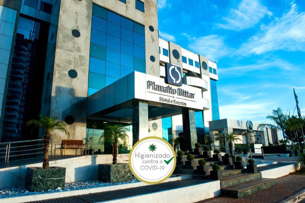The facade or entrance of Planalto Bittar Hotel e Eventos