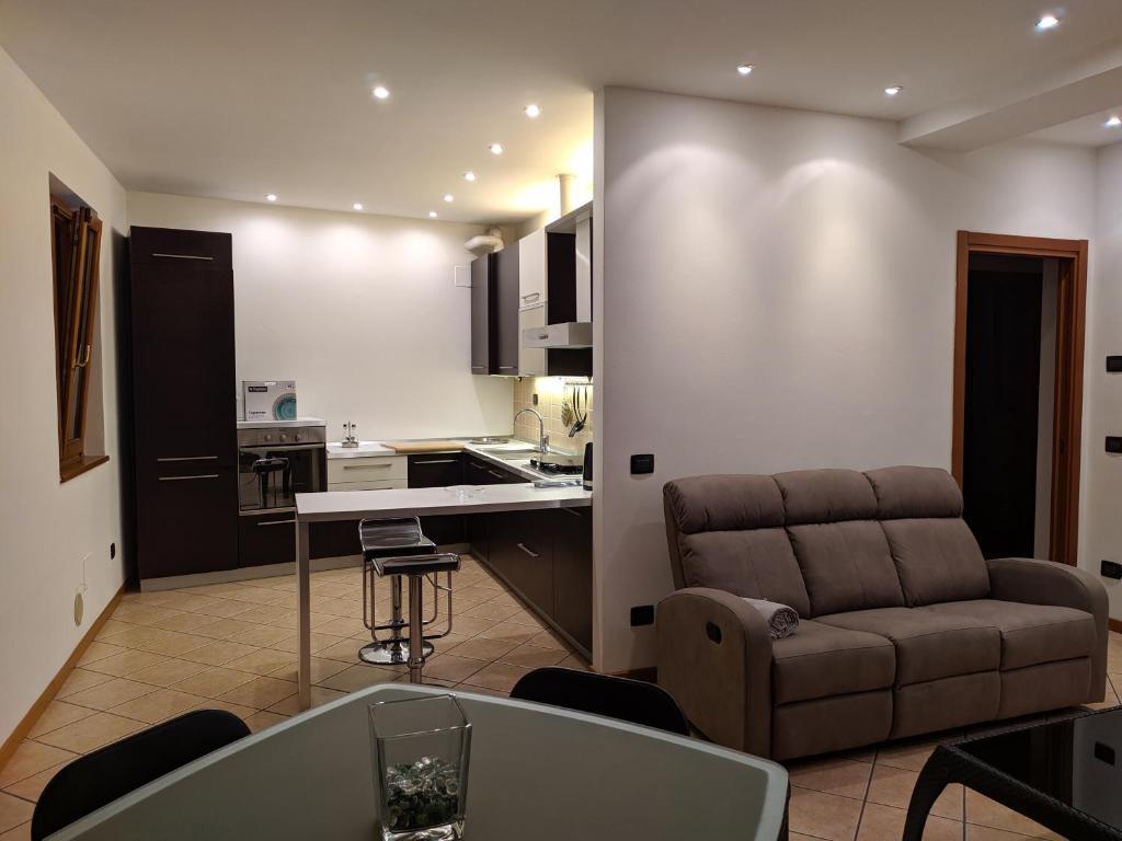 Residenza nuova sul lago, comfort e design, garage e posto auto