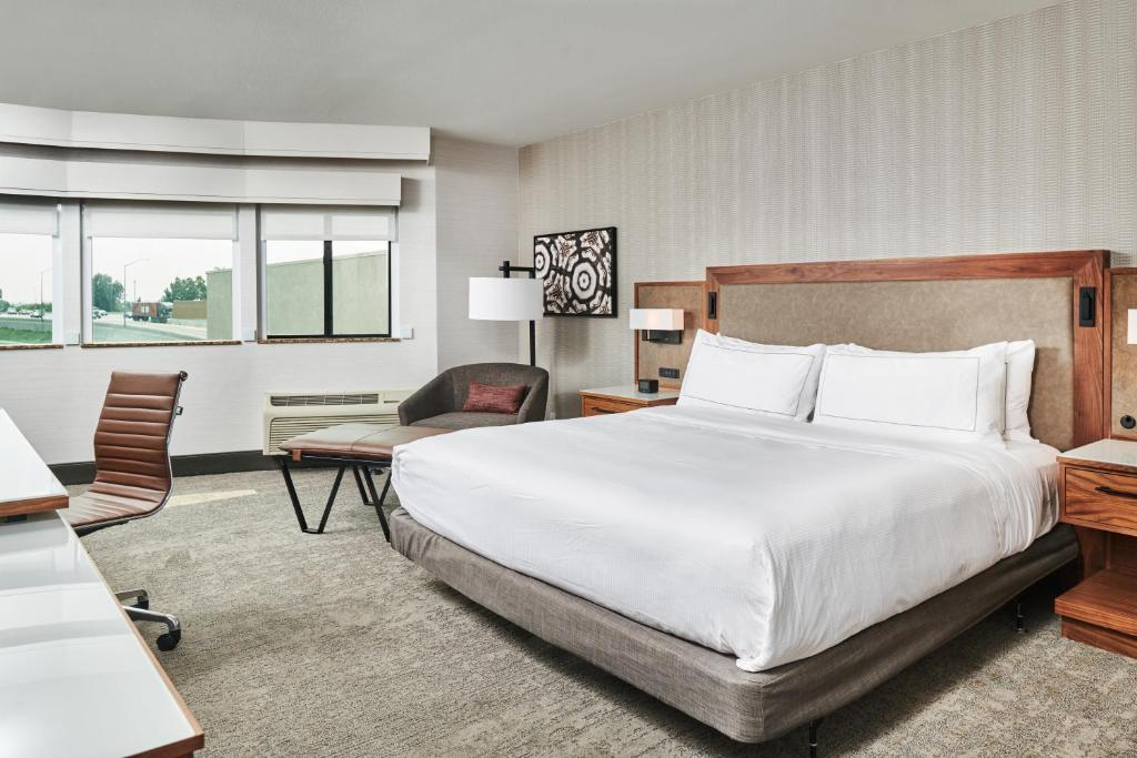 A room at the DoubleTree by Hilton Fullerton.