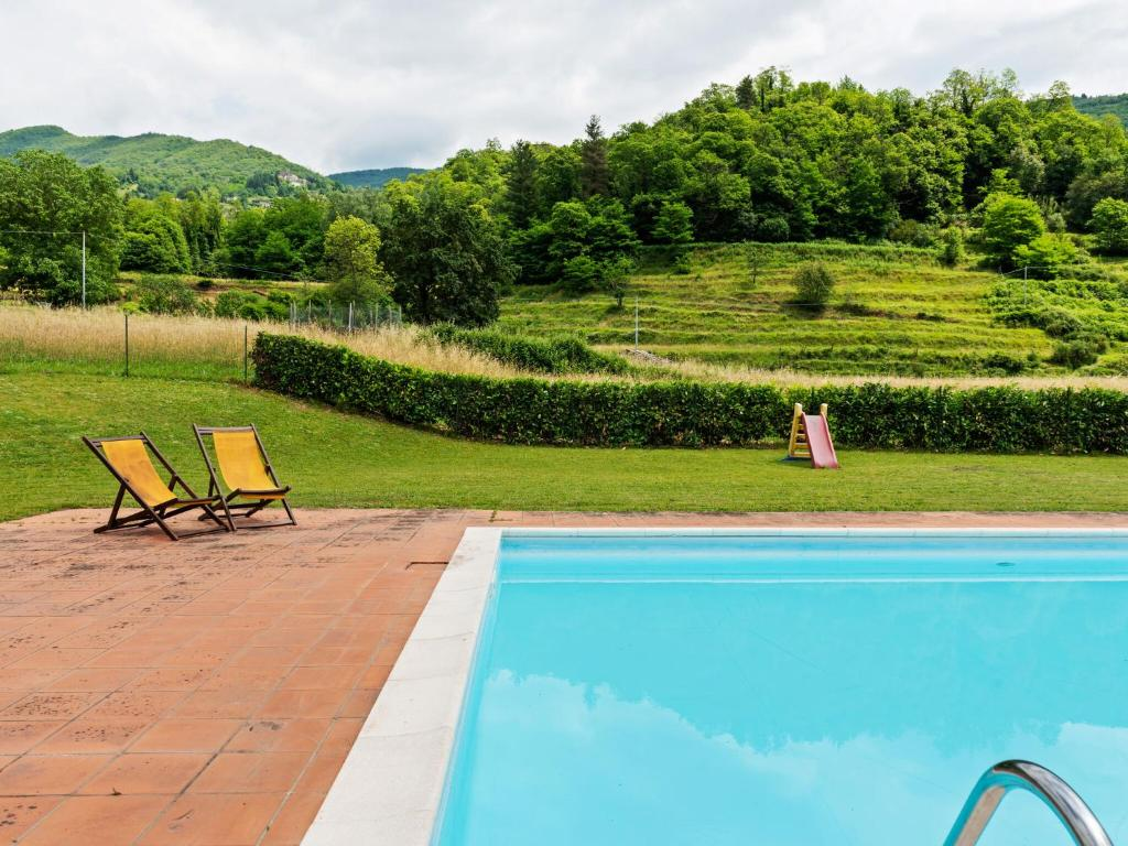 Sun-Kissed Farmhouse in Fosciandora with Swimming Pool