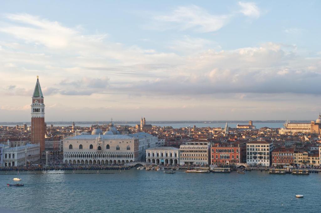 Savoia & Jolanda Venice, Italy
