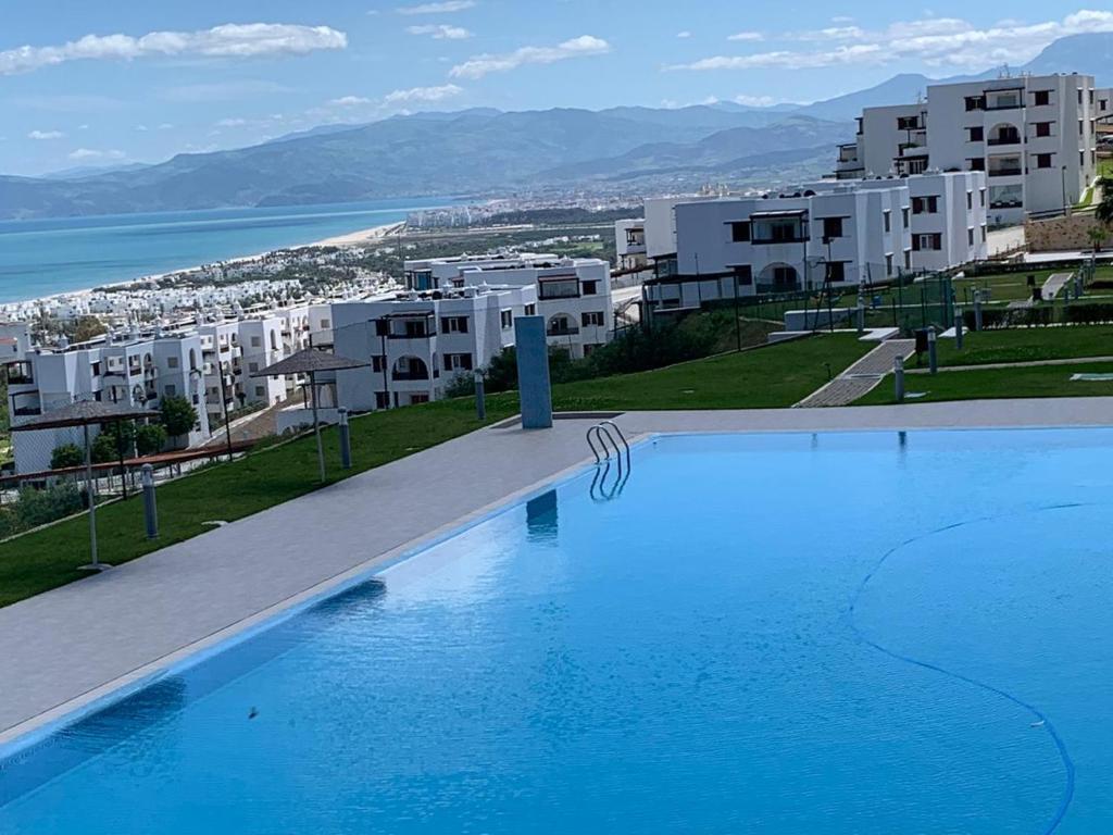 App vue mer et piscine bella vista