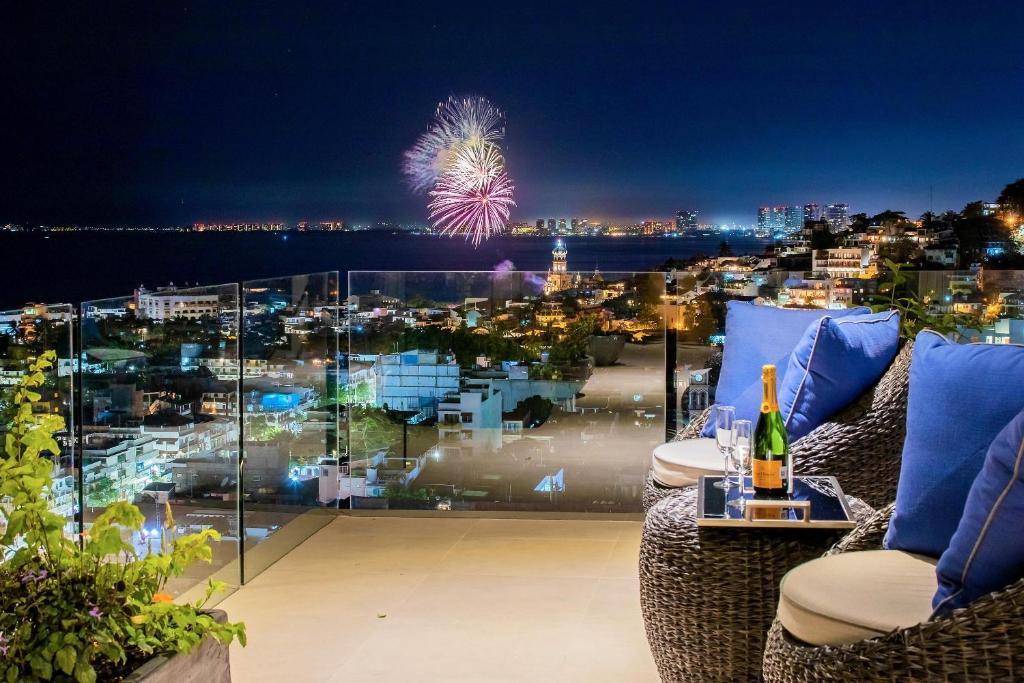 V Estrella Executive Ocean view Condo in Alta Vista 3 bedrooms