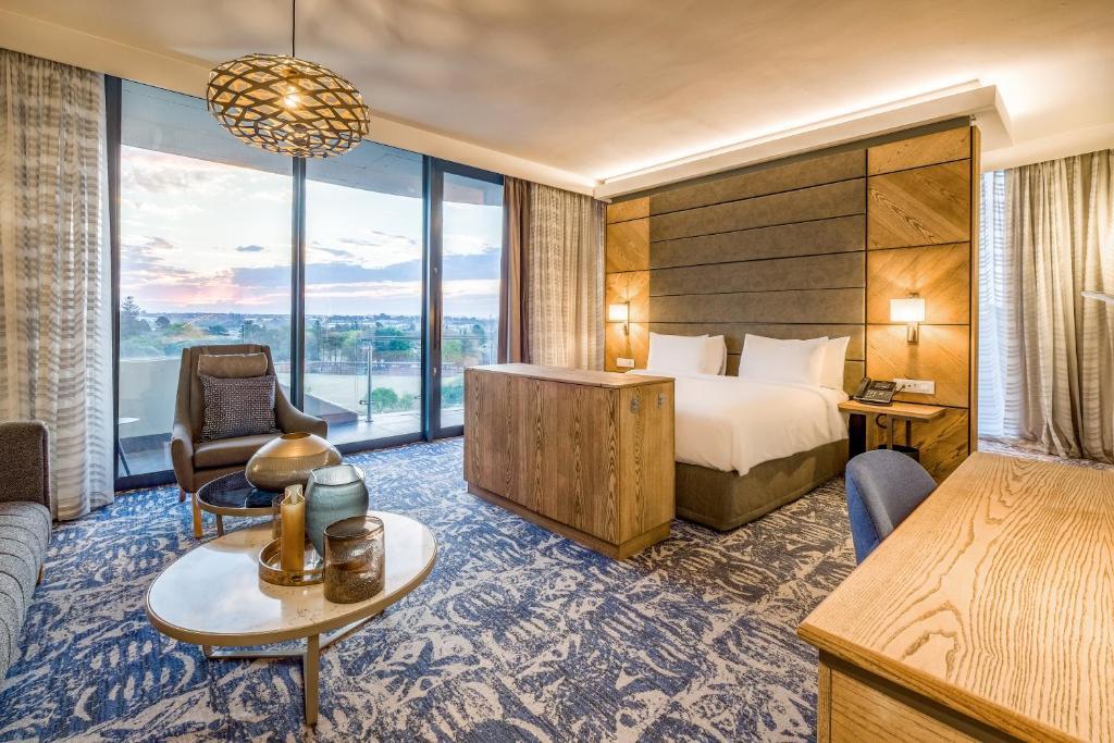 Radisson Hotel & Convention Centre Johannesburg, O.R. Tambo, November 2020