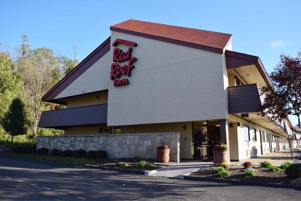 Red Roof Inn St. Clairsville - Wheeling West